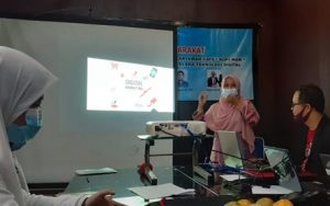 Dosen ITERA Latih Karyawan Warkop Waw Digital Marketing